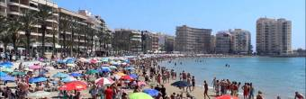 Costa Blanca beaches filled with tourists