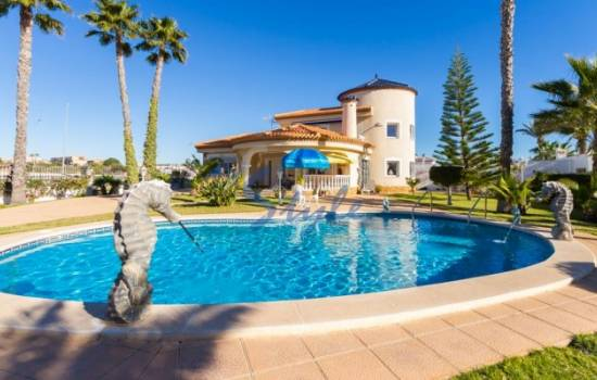 Torrevieja has the cheapest holiday rentals