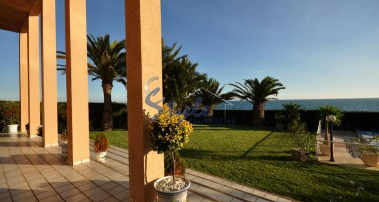 Luxury villa for sale in Punta Prima, Costa Blanca, Spain 072-1