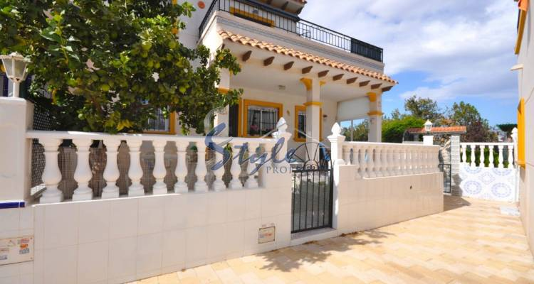 Ground floor apartment for sale in La Campana, Punta Prima, Costa Blanca-Front