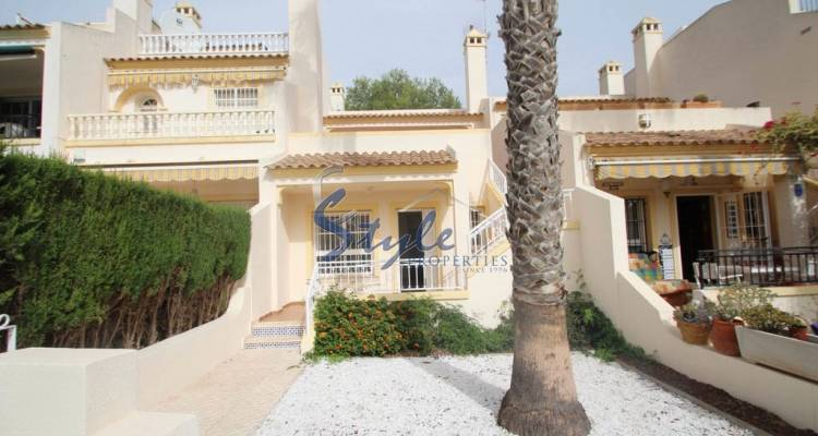 Townhouse for sale in Villamartin, Costa Blanca_Front