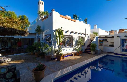 Detached Villa - Resale - Lomas de Don Juan - Lomas de Don Juan