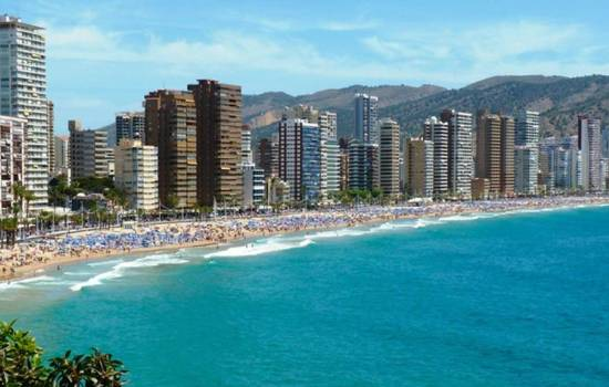 Record-breaking tourism figures for Costa Blanca in December