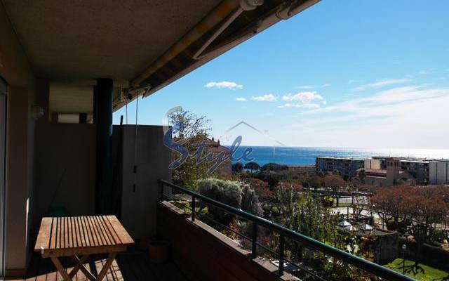 Resale - Apartment - Barcelona - Сант Андреу де Льяванерас