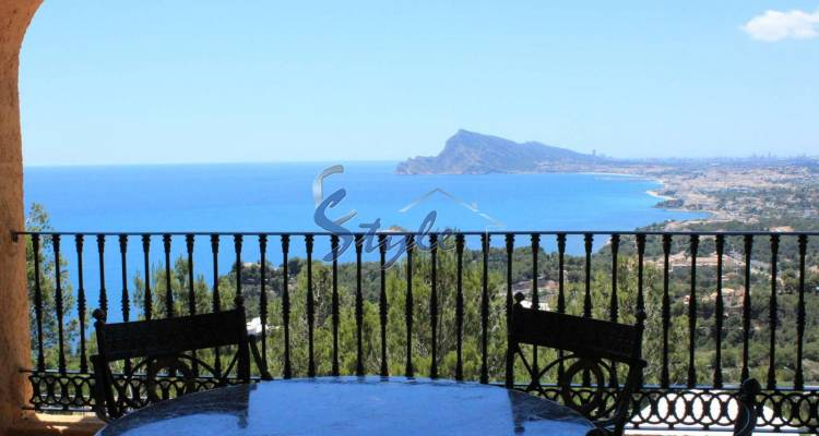 Luxury villa with panoramic views for sale in Altea, Spain 378-1