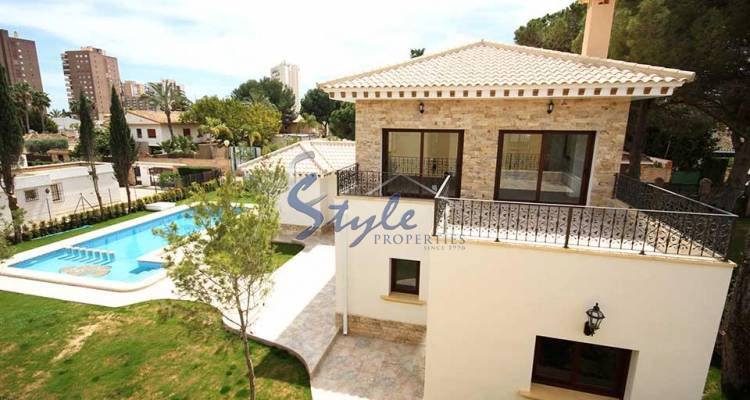 Luxury villa with private pool for sale in Dehesa de Campoamor, Costa Blanca, Spain 286-1