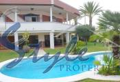 Luxury villa with large plot for Sale in Torrevieja, Costa Blanca, Spain 964-4