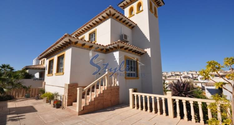 3 bedroom villa for sale in Playa Golf, Costa Blanca, Alicante, Spain