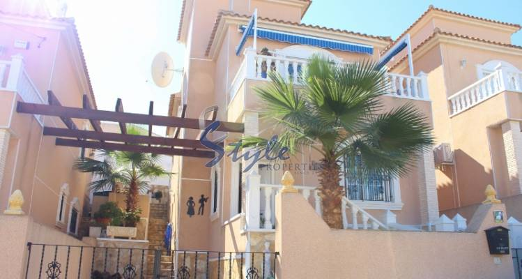 Detached villa fo sale in Las Filipinas, Costa Blanca, Spain 097-1
