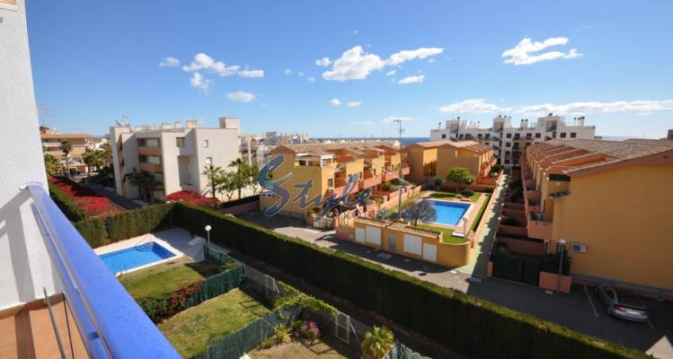 Beachside apartment for sale in Cabo Roig, Costa Blanca, Spain 340-1