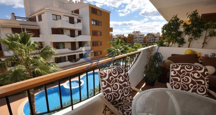 Apartment near the beach for sale in Punta Prima, Costa Blanca, Spain 038-1