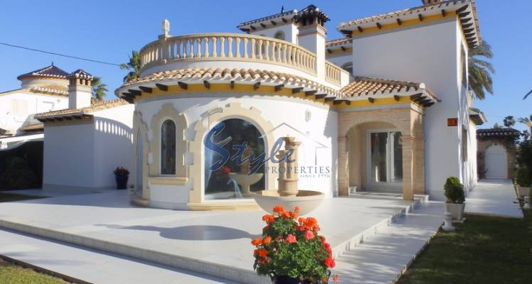 Luxury villa for sale in Cabo Roig, Costa Blanca, Spain 759-1
