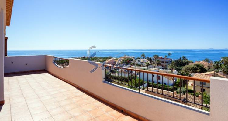 Luxury penthouse with Panoramic Views for sale in Punta Prima, Costa Blanca - view