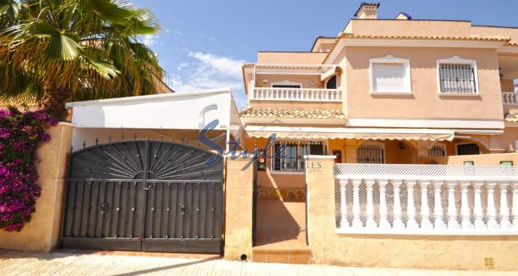 South facing quad house for Sale in Villamartin, Costa Blanca, Spain 919-1