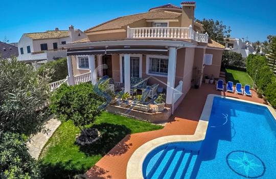 Luxury Villa - Resale - La Mata - La Mata