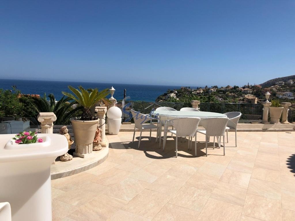 Villa en venta con vistas al mar en calpe alicante costa for Villas en calpe con piscina