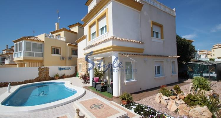 House for sale in Villamartin, Orihuela Costa, Costa Blanca