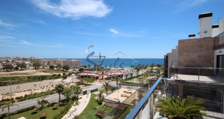 Luxury penthouse with sea views in urbanization Bioko II in Mil Palmeras, Costa Blanca, Spain