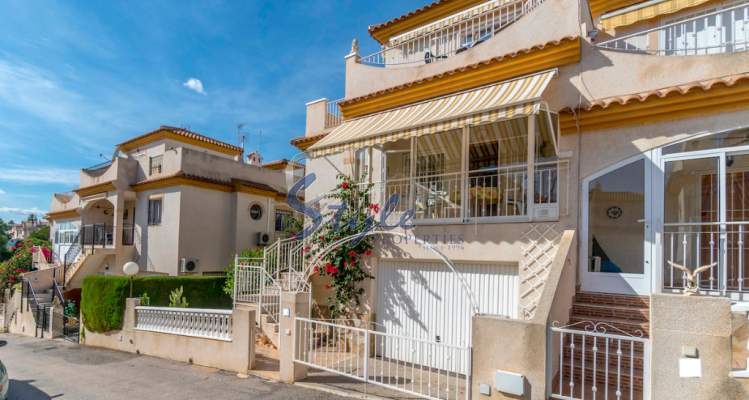 For sale a 3-bedroom bungalow near the sea in Playa Flamenca, Orihuela Costa