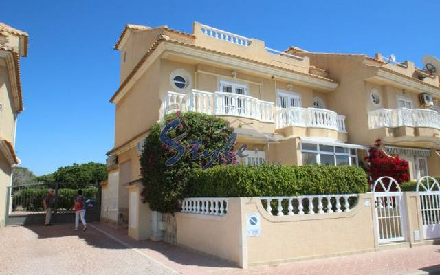 For sale bungalow near the sea and beach in La Mata, Torrevieja