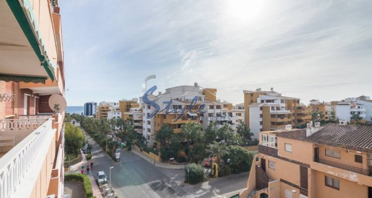 Bright apartment for sale in Punta Prima, Orihuela Costa near the sea and the beautiful beaches
