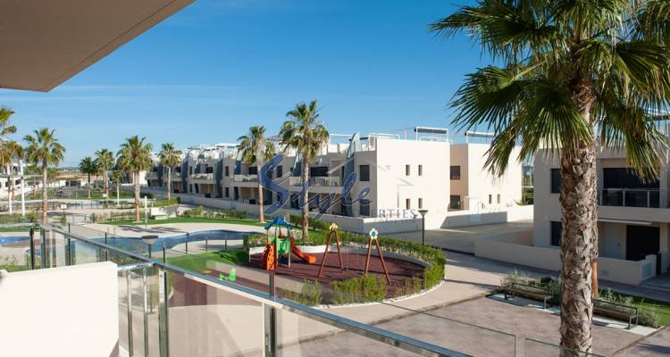 apartment for sale near the sea and beach in the urb. Mil Palmeras in Torre de la Horadada, Orihuela Costa