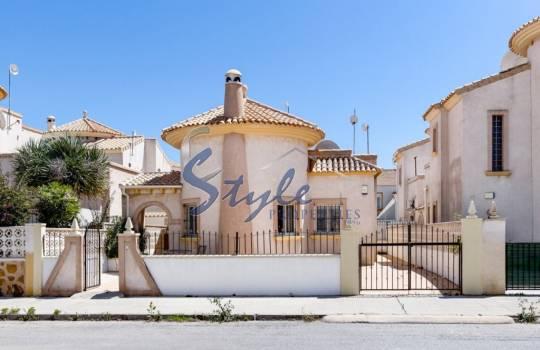 Стоимость дома в испании на берегу моря оаэ купить квартиру