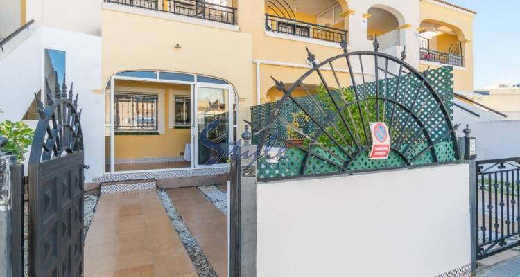 Buy bungalow in Costa Blanca near to the sea in Torrevieja. ID: 4517