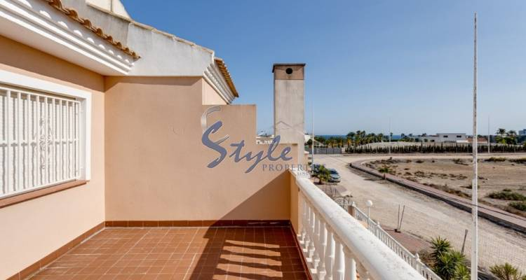 https://estylespain.com/property/7314/buy-detached-chalet-in-los-altos-of-orihuela-costa-close-to-the-sea-id-4589/