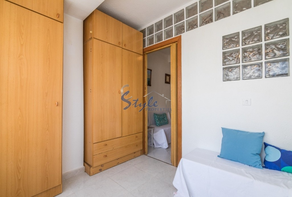 Buy Study apartment close to the beach in Torrevieja, Costa Blanca. ID: 4646