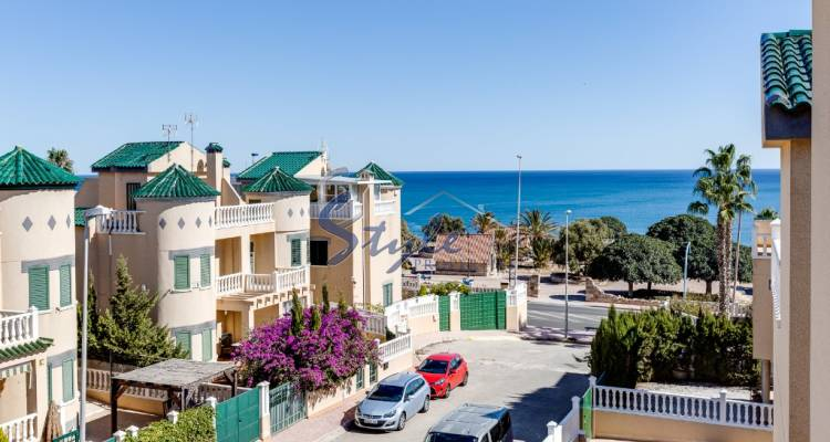 Buy detached chalet close to the sea in Torre del Moro, La Mata, Costa Blanca, 200 meters from the beach. ID: 4662