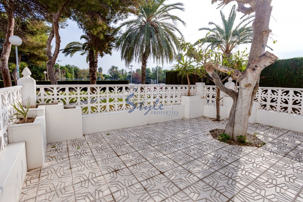 Buy duplex apartment with porch in Torrevieja. ID 4670