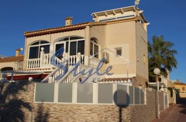 Villa - Resale - Los Altos - Los Altos